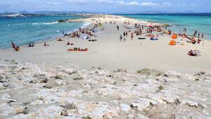 """شاطئ """"بلايا دي سيس إييتس"""""""
