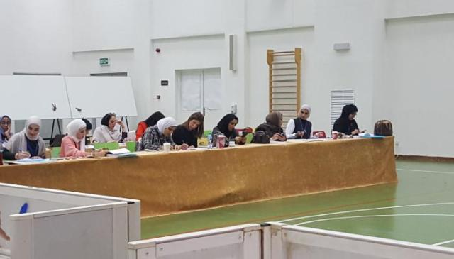 الكويتيات يشاركن الإشرف على الانتخابات