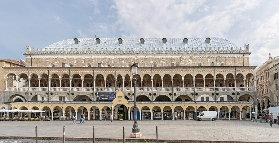 بالصور بادوفا مدينة الفنانين الإيطالية وموطن أقدم