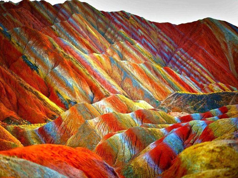جبال قوس قزح في الصين من أكثر أماكن العالم غرابة - أرشيفية