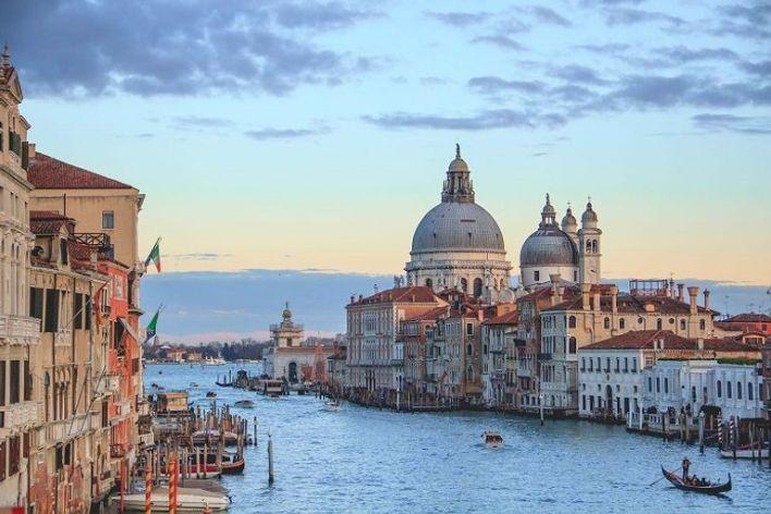 إيطاليا من أفضل الوجهات السياحية الآمنة في العالم 2021