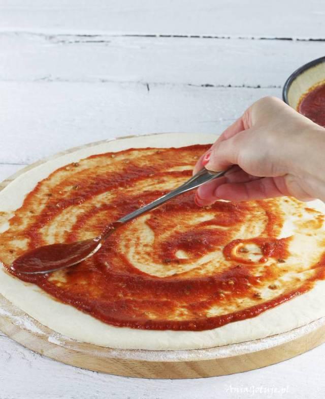 Пицца с пармской ветчиной и каперсами, 4