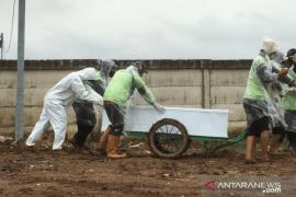 64 petak makam di TPU Rorotan sudah terisi