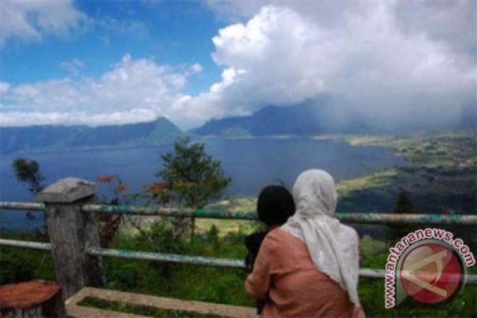 Lake Maninjau Favorite Tourist Destination Antara News
