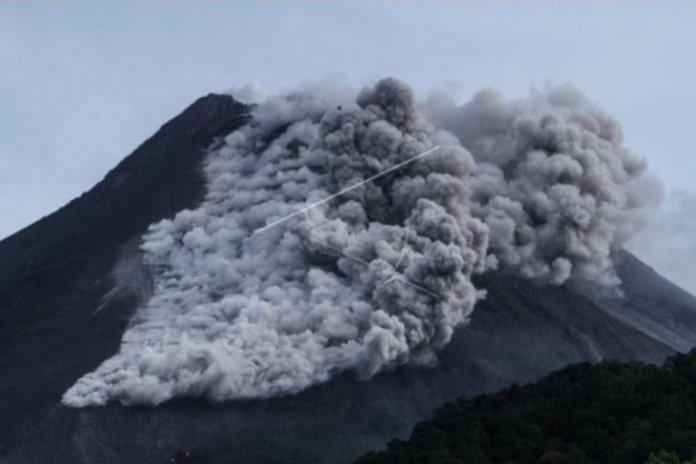 Five Volcanoes Erupting Sporadically In Indonesia Since Jan 2021 Antara News