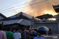 Pasar milik desa adat di Jembrana terbakar