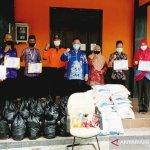 Pemkab Kotim salurkan bantuan untuk 8.980 warga terdampak banjir