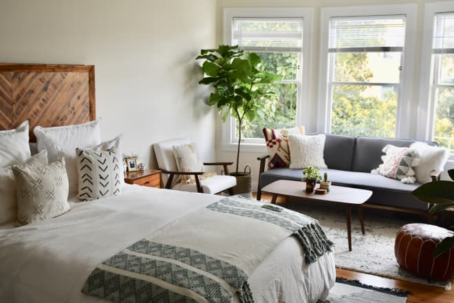A First-Time-Living-Solo San Franciscan Found the Perfect Small, Soothing Home