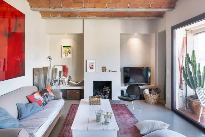 A Designer's Barcelona Apartment Has a Marvelous Mix of Materials