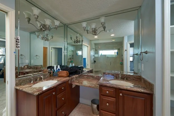 Before & After: Kate Upton Upgrades Her Sister's Not-So-Great '90s Bathroom