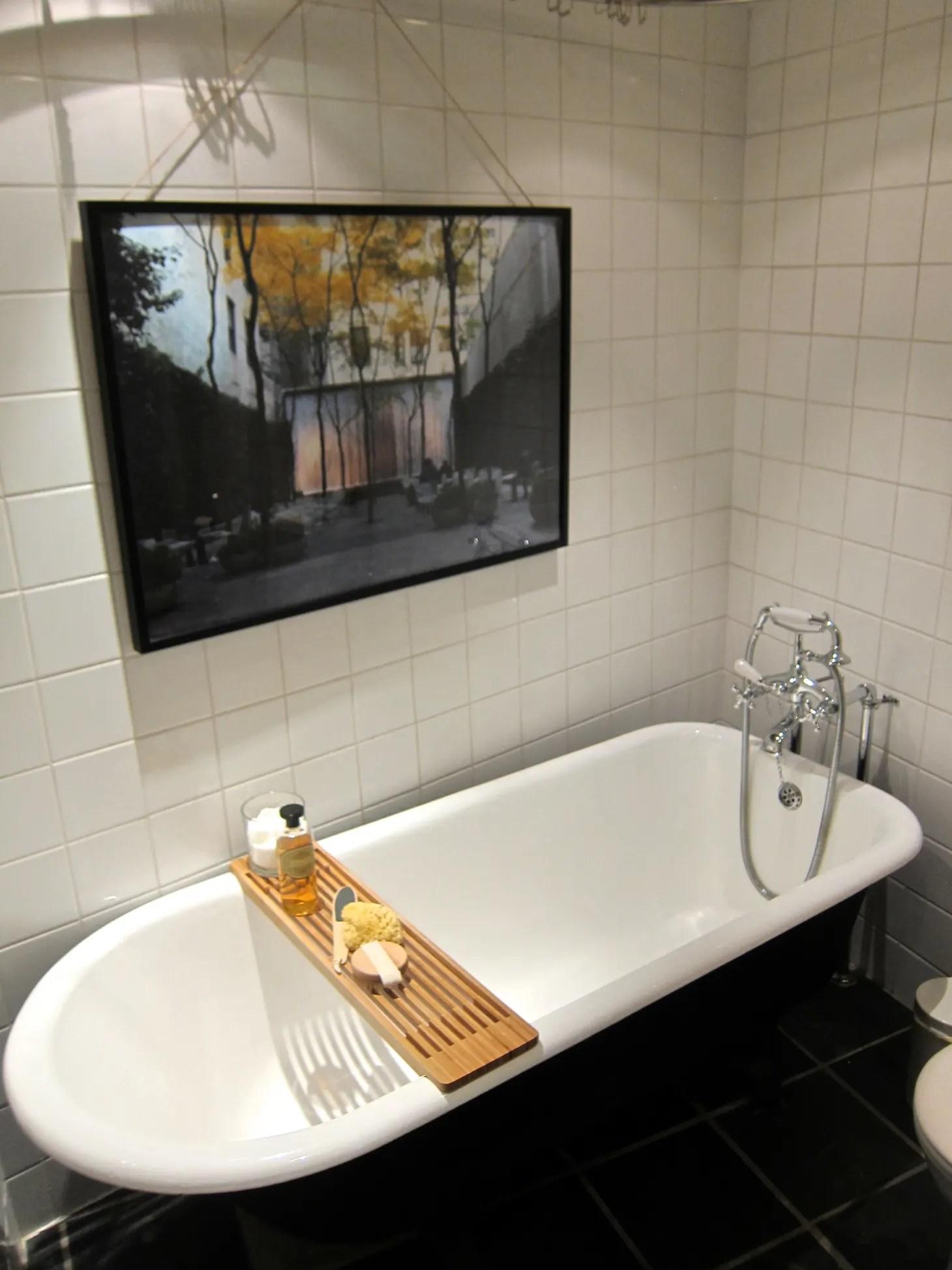 Bathroom Decorating Ideas: 5 Ways to Make Any Bathroom ... on Apartment Bathroom Ideas  id=30285