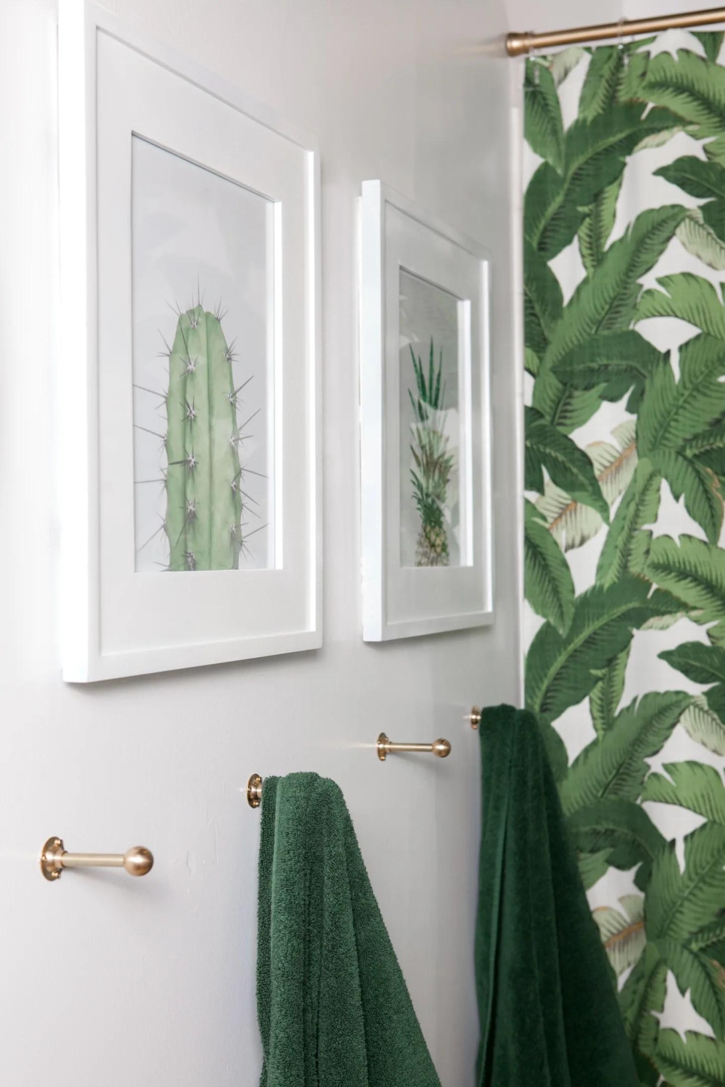 25 Small Bathroom Storage & Design Ideas - Storage ... on Small Apartment Bathroom Storage Ideas  id=42384