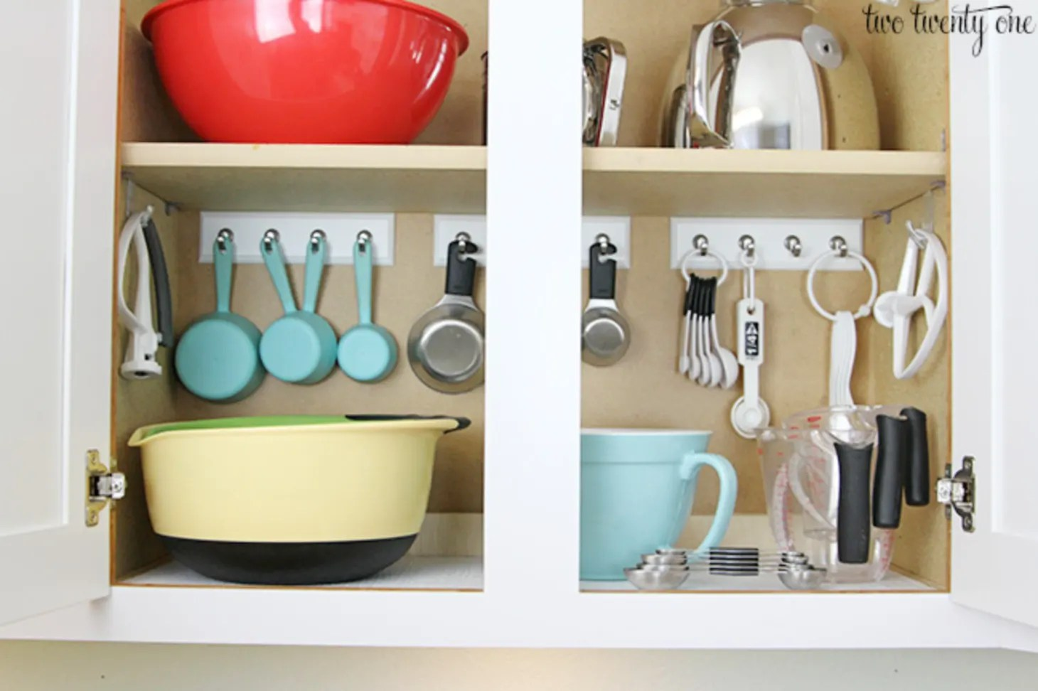 The Smartest Ways To Store Measuring Cups And Spoons