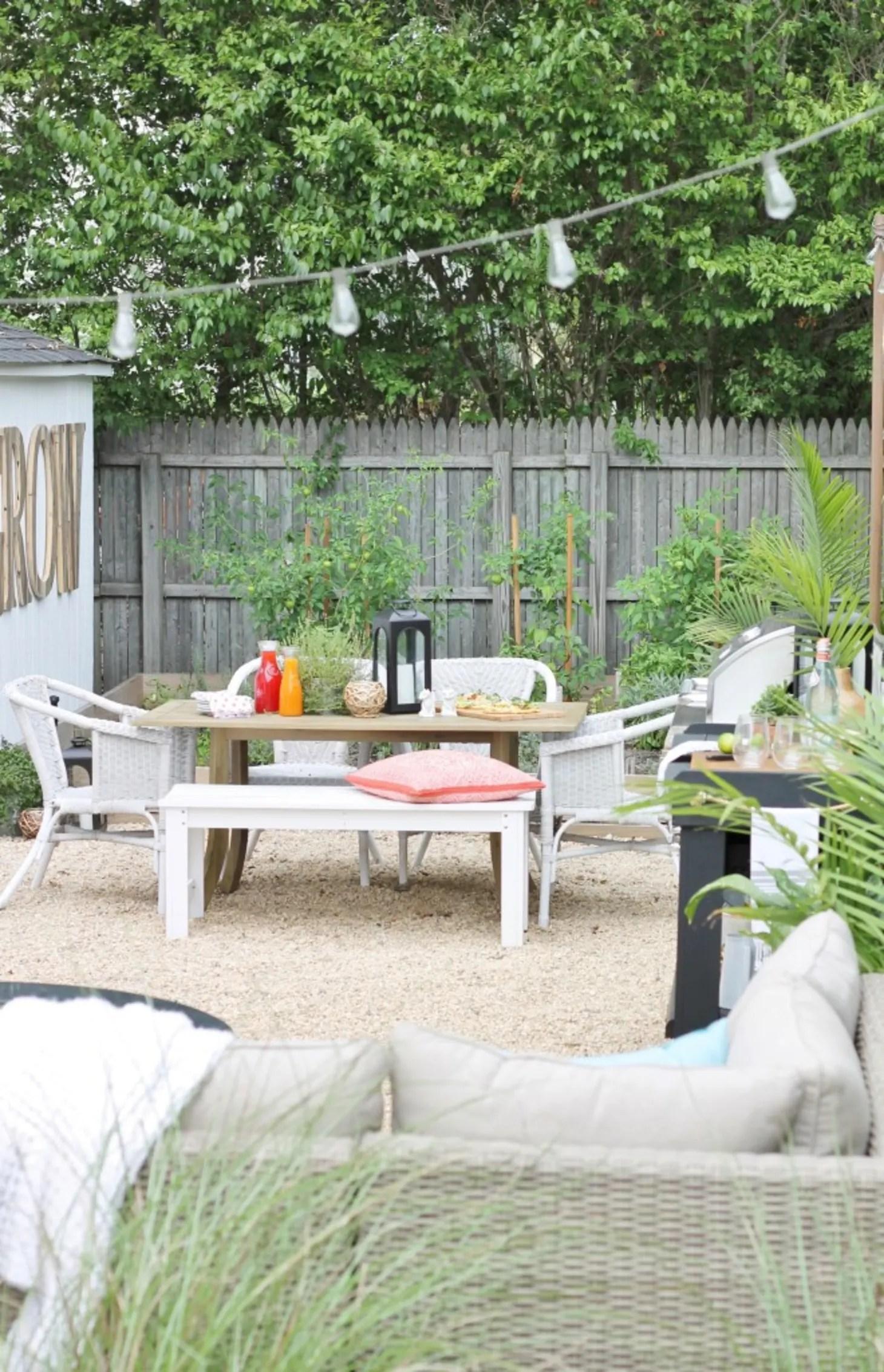 Small Backyard Design Ideas & Inspiration | Apartment Therapy on Apartment Backyard Patio Ideas  id=31470