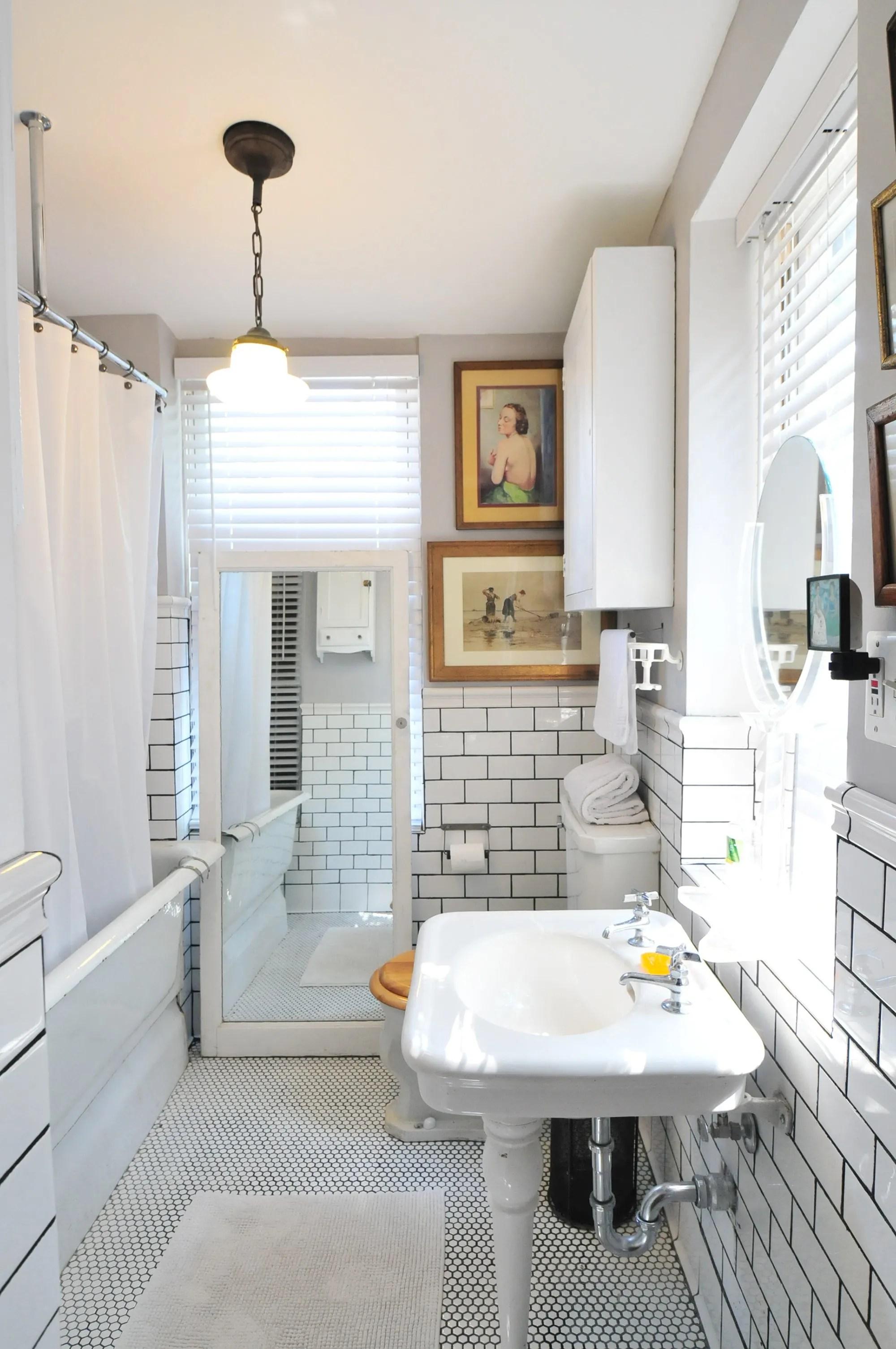 50 Best Bathroom Design Ideas | Apartment Therapy on Apartment Bathroom Ideas  id=68818