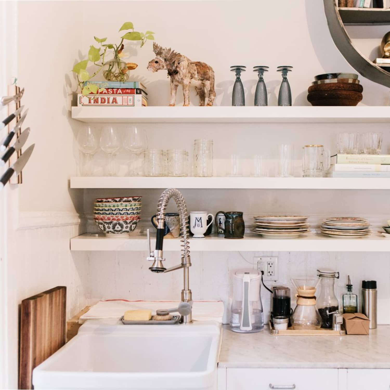 5 Ways To Build Diy Floating Shelves Apartment Therapy