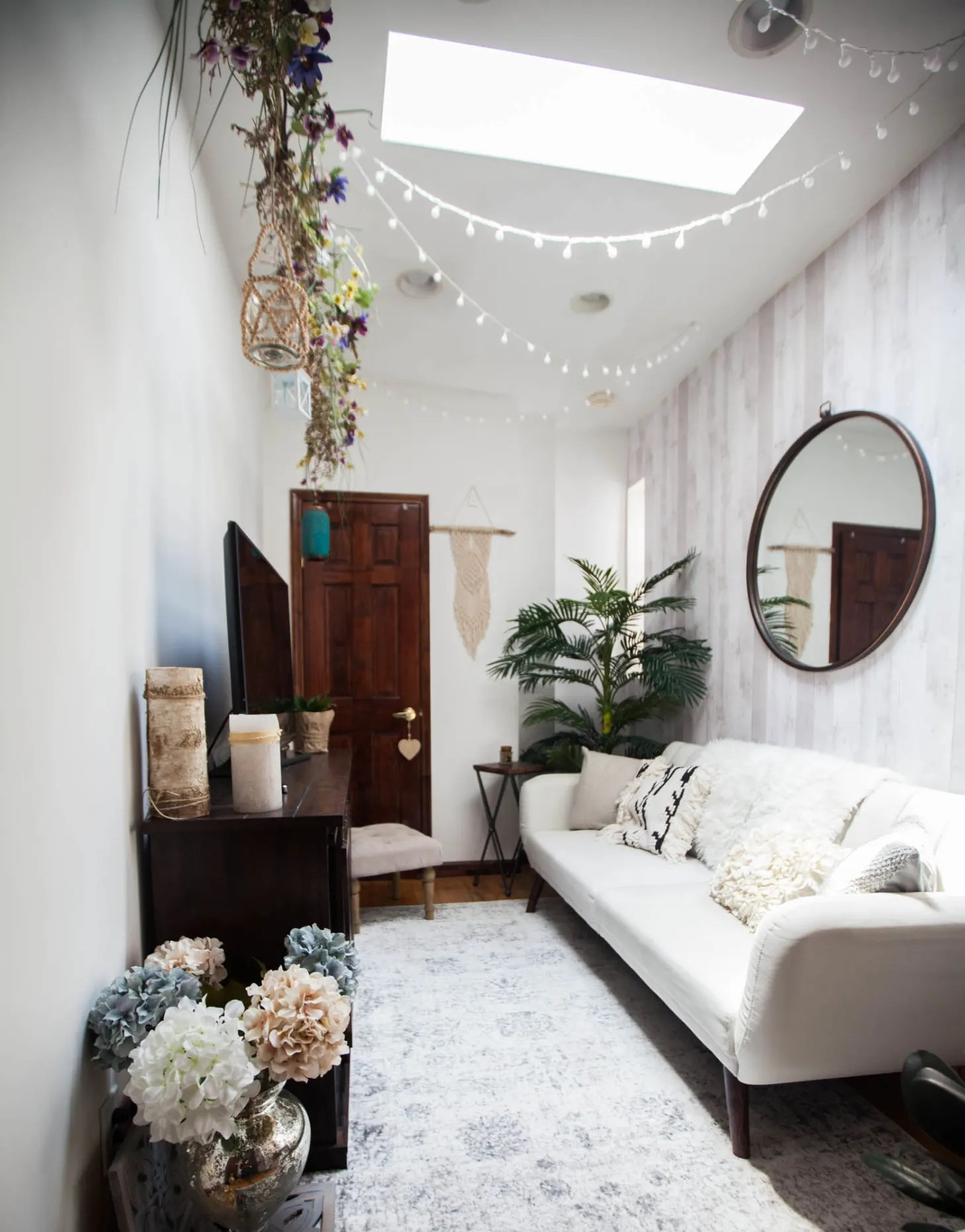 30 Small Living Room Decorating & Design Ideas - How to ... on Small Room Decoration  id=35622