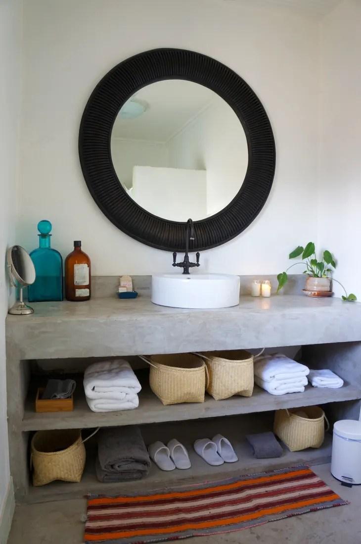 25 Small Bathroom Storage & Design Ideas - Storage ... on Small Apartment Bathroom Storage Ideas  id=46675