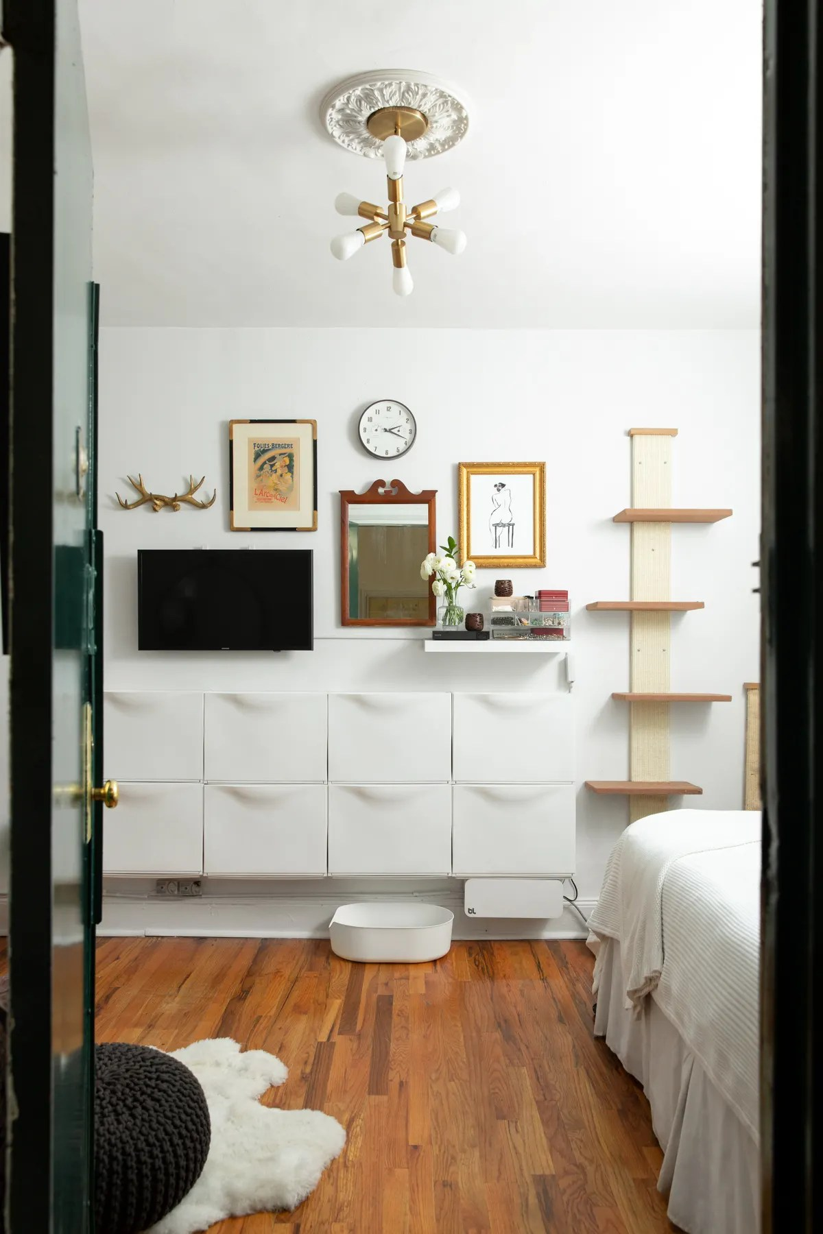 Small Studio Apartment Organizing Advice and Ideas ... on Small Apartment Organization  id=69003