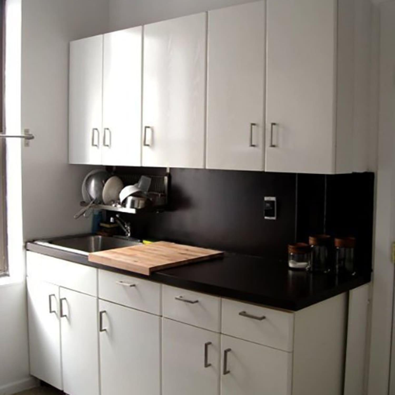 ugly rental kitchen countertops