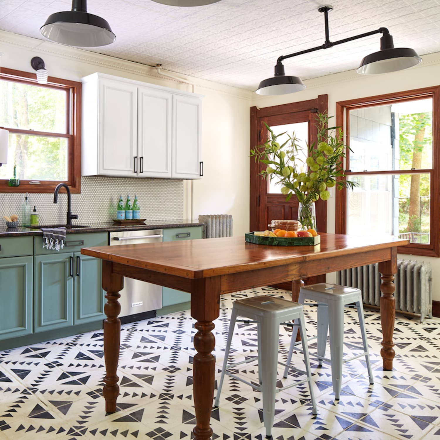 The siite features resene ezypaint virtual painting and resene techspec virtual specification software. Yes You Can Paint Your Entire Kitchen With Chalk Paint Kitchn