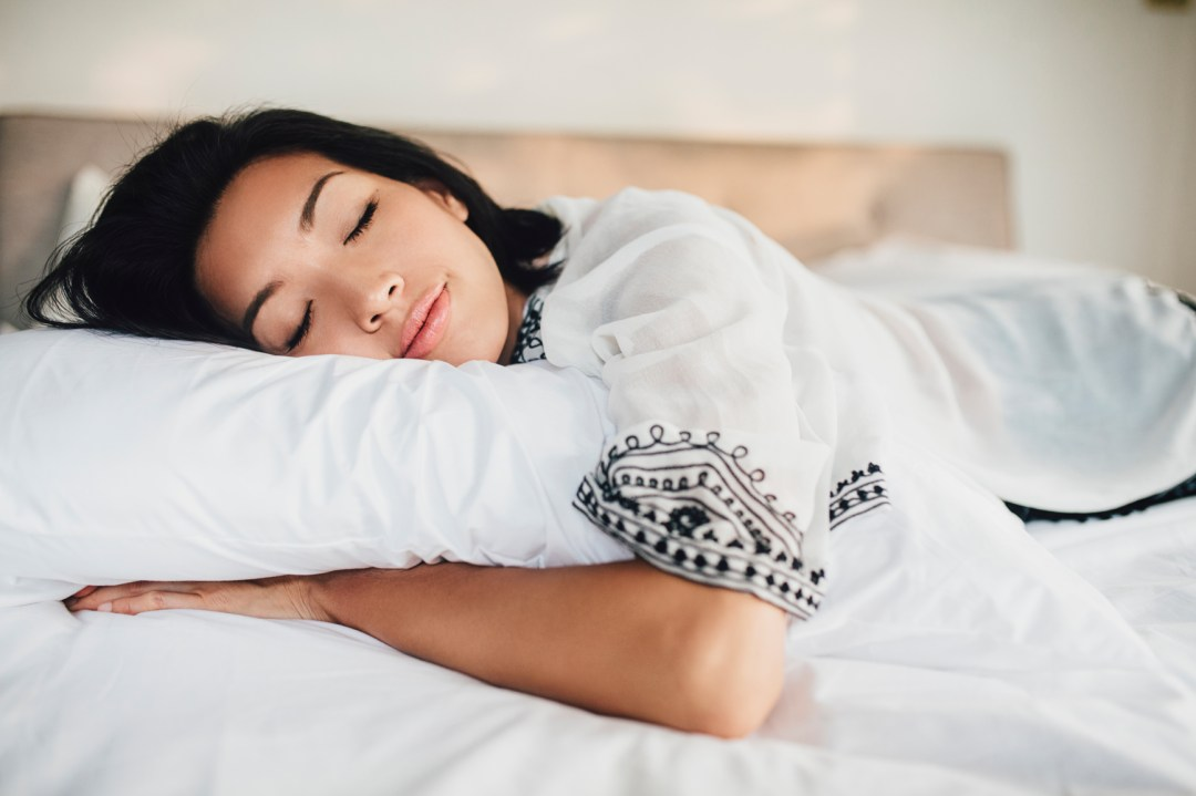 I Tried the Famous NIGHT Pillow, and OMG, It's Amazing