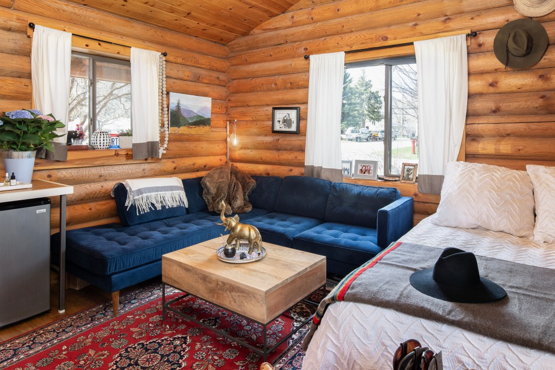If You've Ever Dreamed of Log Cabin Living, This 196-Square-Foot Home Will Make You Swoon