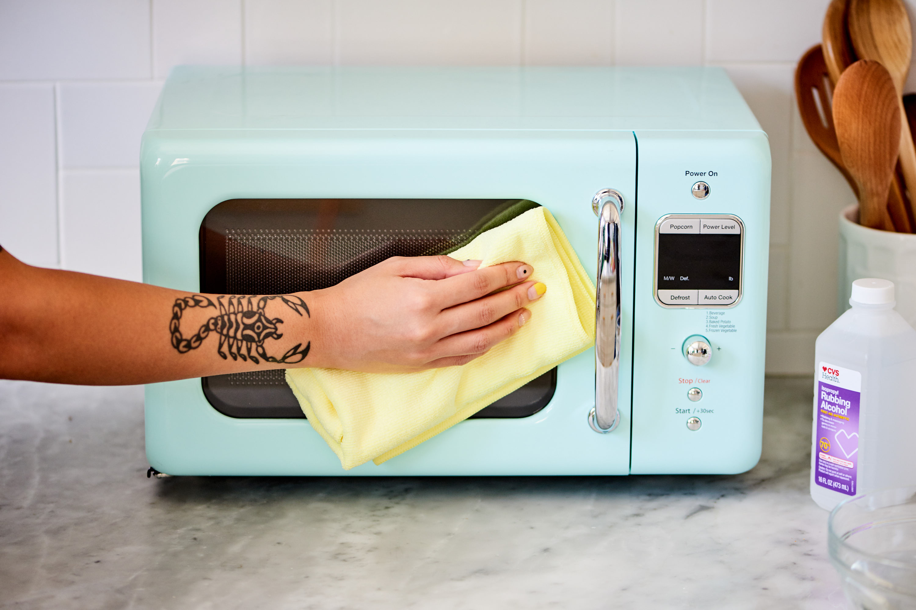 how to clean a microwave step by step