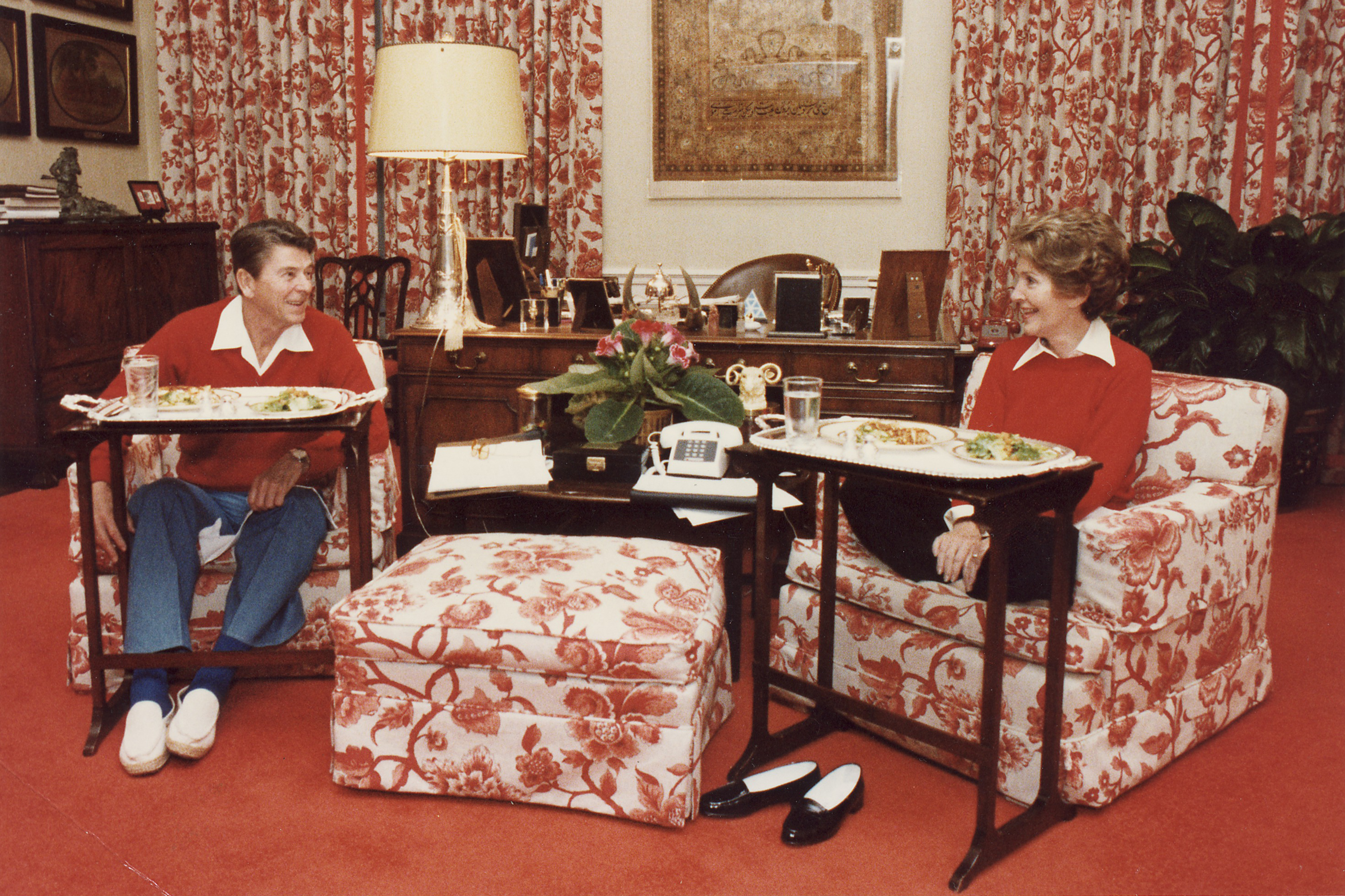 the history of the tv tray apartment