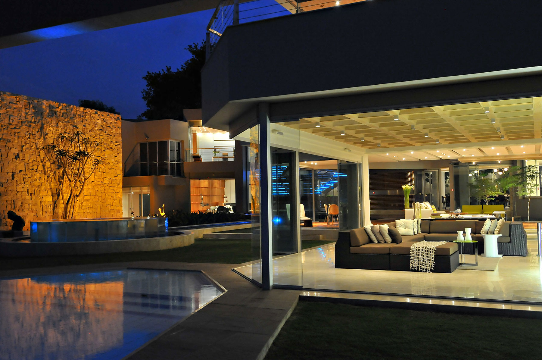 Glass House by Nico Van Der Meulen Architects ... on Modern Glass House  id=74873