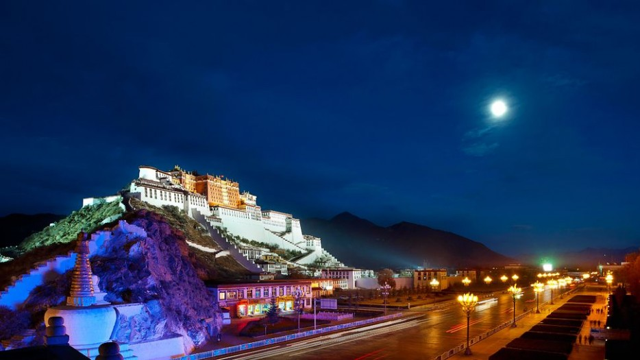 59-destination_Potala-Palace-full-moon