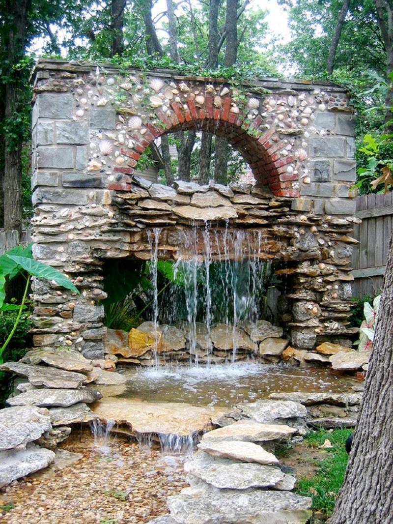 35 Impressive Backyard Ponds and Water Gardens ... on Backyard Pond Landscaping Ideas id=91116