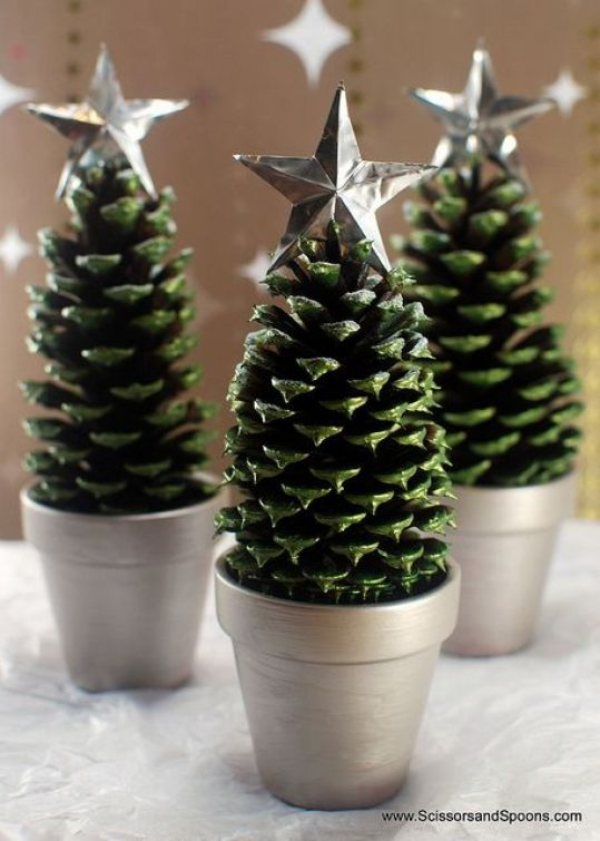 AD-Creative-Pinecone-Crafts-For-Your-Holiday-Decorations-15
