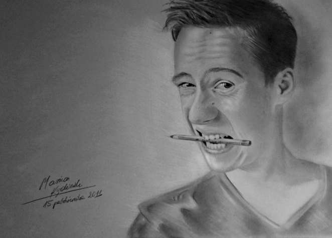 AD-Artist-Born-Without-Hands-Draws-Amazing-Realistic-Drawings-10