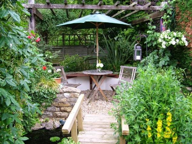 35 Wonderful Ideas How To Organize A Pretty Small Garden Space on Small Landscape Garden Ideas  id=85317