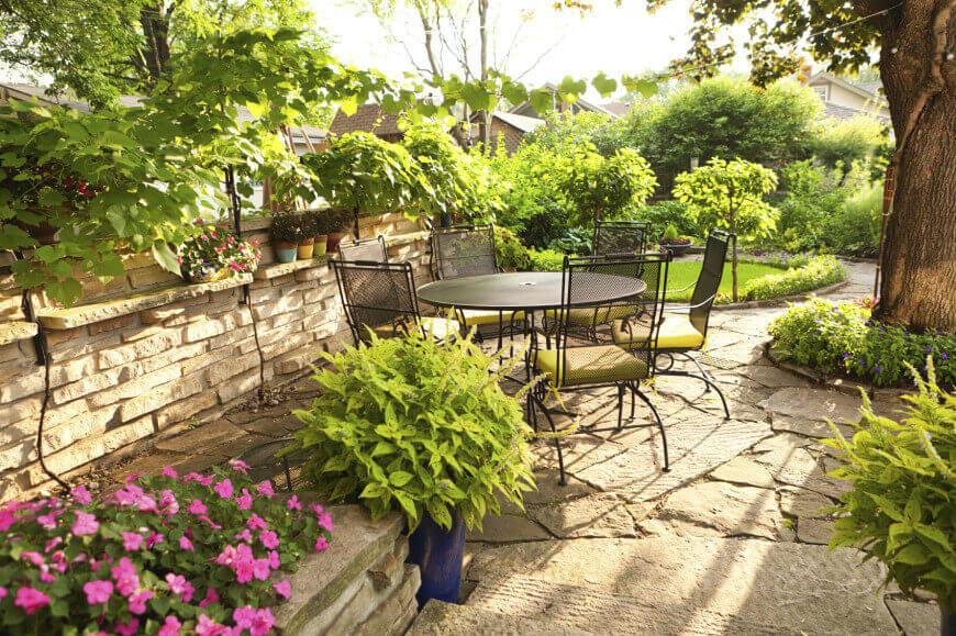 35 Wonderful Ideas How To Organize A Pretty Small Garden Space on Small Landscape Garden Ideas id=51462
