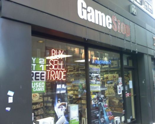 GameStop swaps console game downloads for physical discs ...