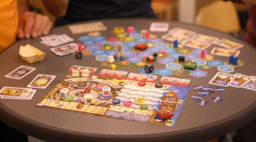 Essen 2016  Best board games from the biggest board game convention     Oracle of Delphi