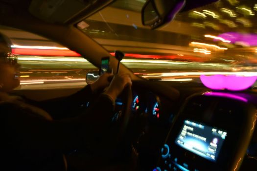 NYC votes to set minimum pay for Uber, Lyft drivers