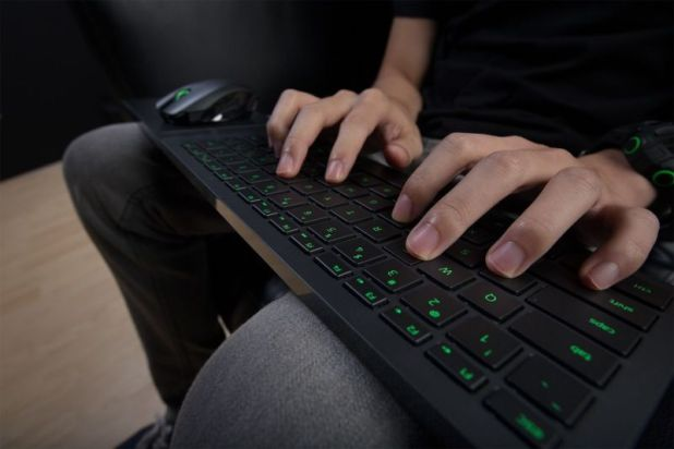 Lap-based keyboard and mouse solutions like Razer Turret will soon be fully compatible with Xbox One.