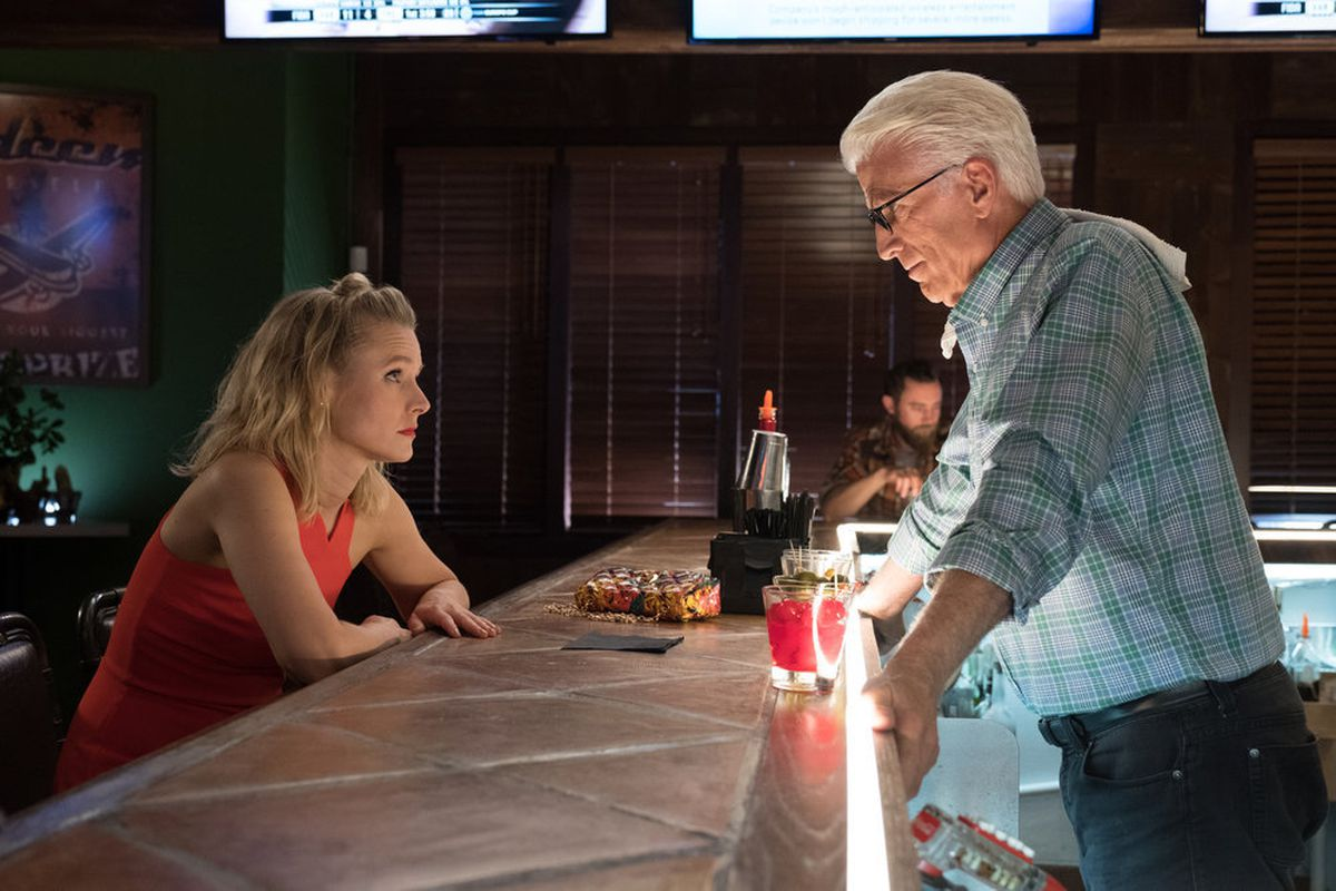 Eleanor (Kristen Bell) gets a timely pep talk from Michael (Ted Danson) in the Season 2 finale of <em>The Good Place.</em>