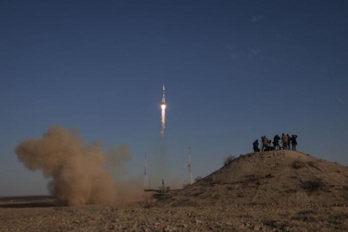 Lancement d'une fusée Soyouz depuis le cosmodrome de Baïkonour en 2012.