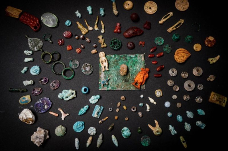 All these items were contained within a wooden box unearthed at the Archaeological Park of Pompeii.