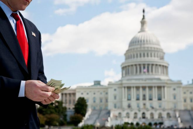 """getty-congress-money-800x533 ISPs spent $235 million on lobbying and donations, """"more than $320,000 a day"""" 