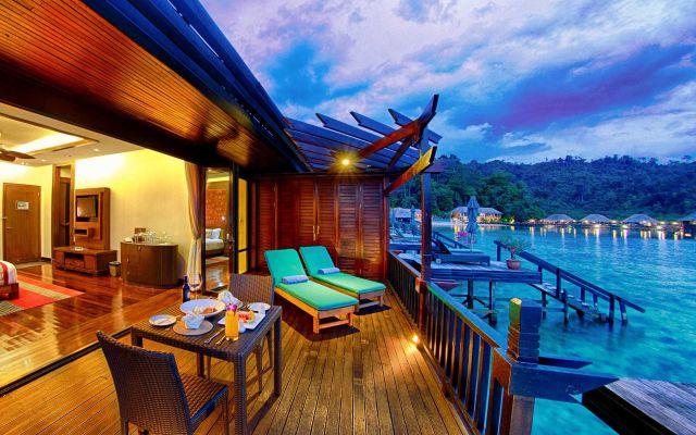 Photo: Gayana Marine Resort