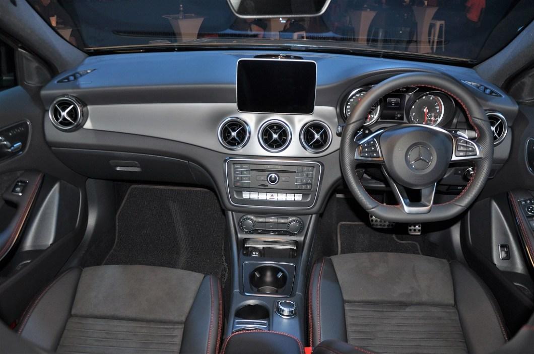 Mercedes gla amg line interior for Mercedes benz gla class interior