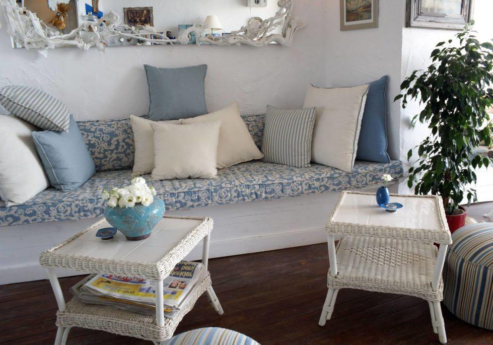 Provence Style interior design ideas on Furniture Style  id=15166