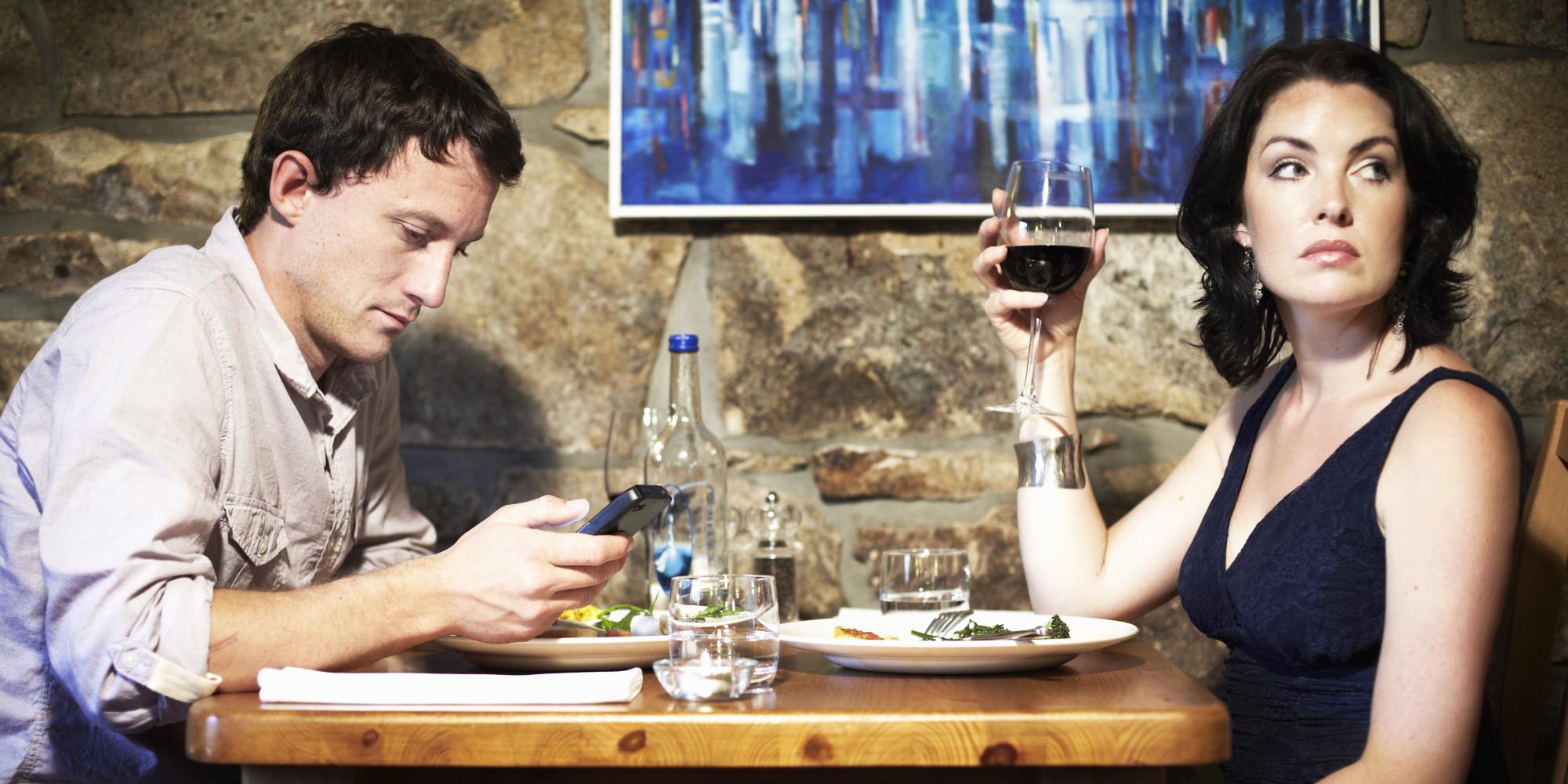https://i1.wp.com/cdn.bgr.com/2014/07/smartphone-restaurant1.jpg