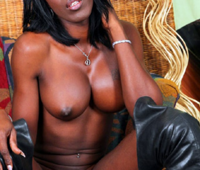 Shaved Big Tits Black Tgirl In Leather Boots