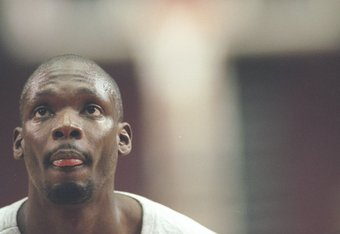 25 Mar 1997:  Guard Malik Sealy of the Los Angeles Clippers stands on the court during a game against the Vancouver Grizzlies at the Los Angeles Sports Arena in Los Angeles, California.  The Clippers won the game 110-104. Mandatory Credit: Elsa Hasch  /Allsport